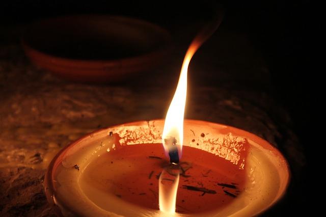 Így előzzük meg a tűzeseteket, sérüléseket Mindenszentek idején!