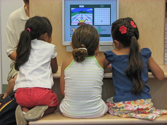 Védenék a káros reklámoktól a gyermekeket
