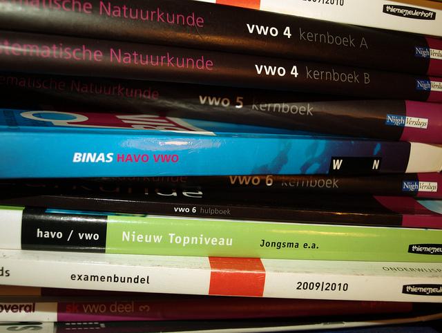 Használt tankönyv a csődközeli Pest megyében