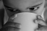Egyéves kor alatt ne itass gyümölcslét a gyerekkel!