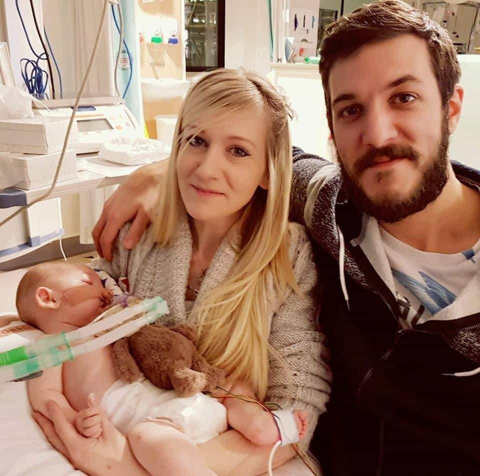 Nem maradhat életben a kis Charlie Gard - A szülők legalább a körülményekről dönteni szeretnének