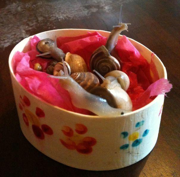 Ártatlan gyermeki ajándékok, amelyeket nehéz lehetett nevetés nélkül átvenni...