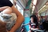 A táskáknak és a biciklisnek jutott ülőhely, a szoptató anyának nem