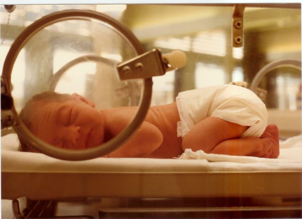"""PIC: """"Minél többet érez egy baba a szülőből, annál nagyobb esélyt kap"""""""
