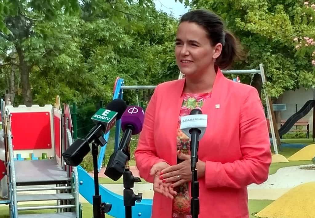 Novák: kiterjesztik az egyszeri anyasági támogatást a külhoni magyarságra is