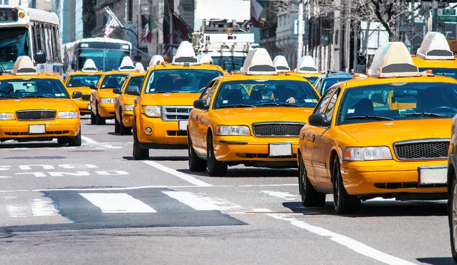 Gyerekkel a taxiban, ülés nélkül