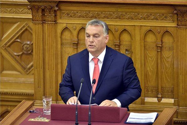 Orbán Viktor: a családpolitika a kormányzati munka középpontjában marad
