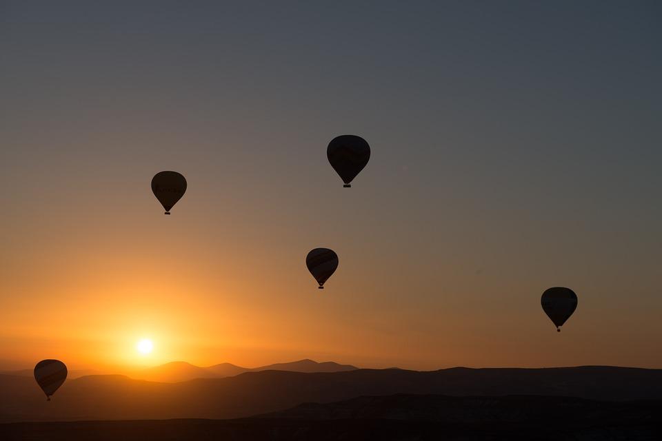 Hétvégén ellepik az eget a hőlégballonok Szeged fölött