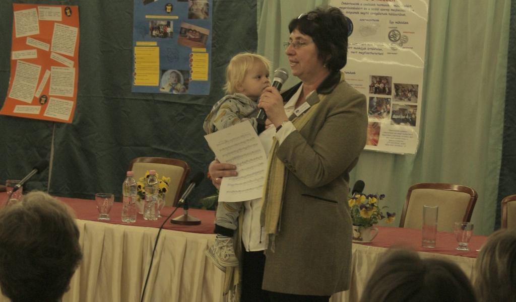 Szülő segít szülőnek – interjú a Kopp-Skrabski díjas Lehőcz Monikával