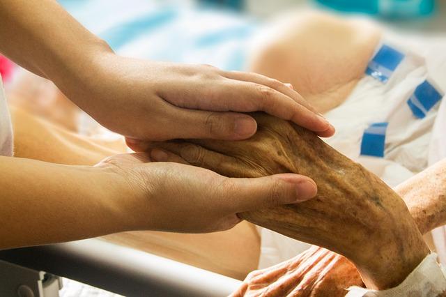 Veszélyben a hazai hospice-hálózat?
