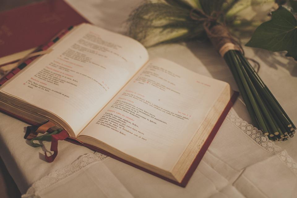 """Van-e még értelme a házasságnak? – Szentendrén is """"beszóltak a papnak"""""""