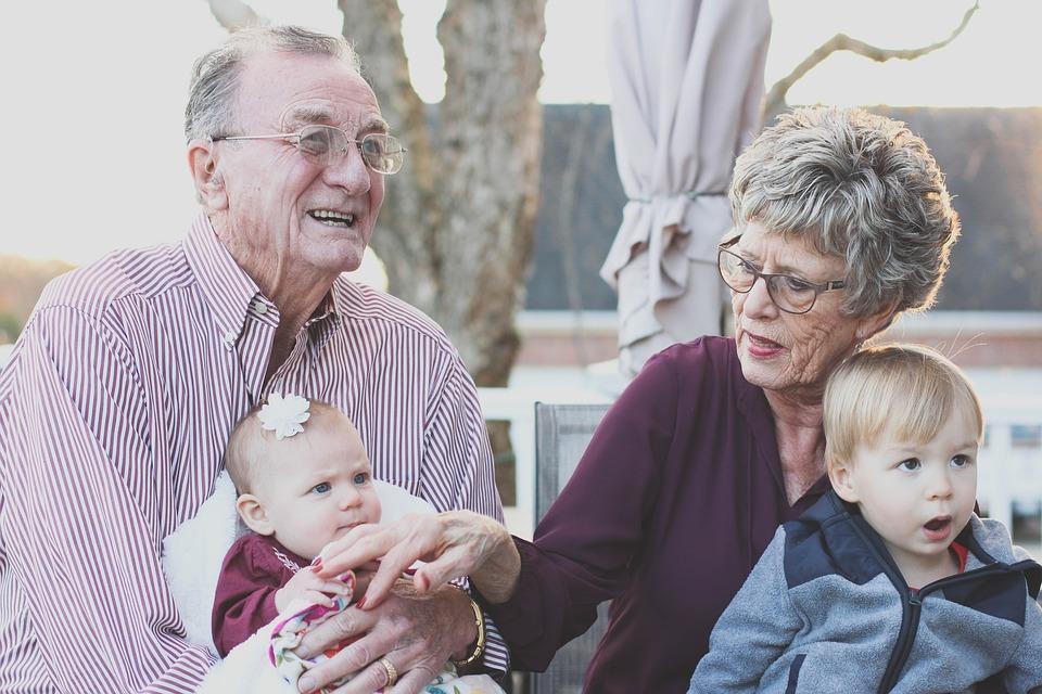 A nagyszülőknek is van láthatási joga