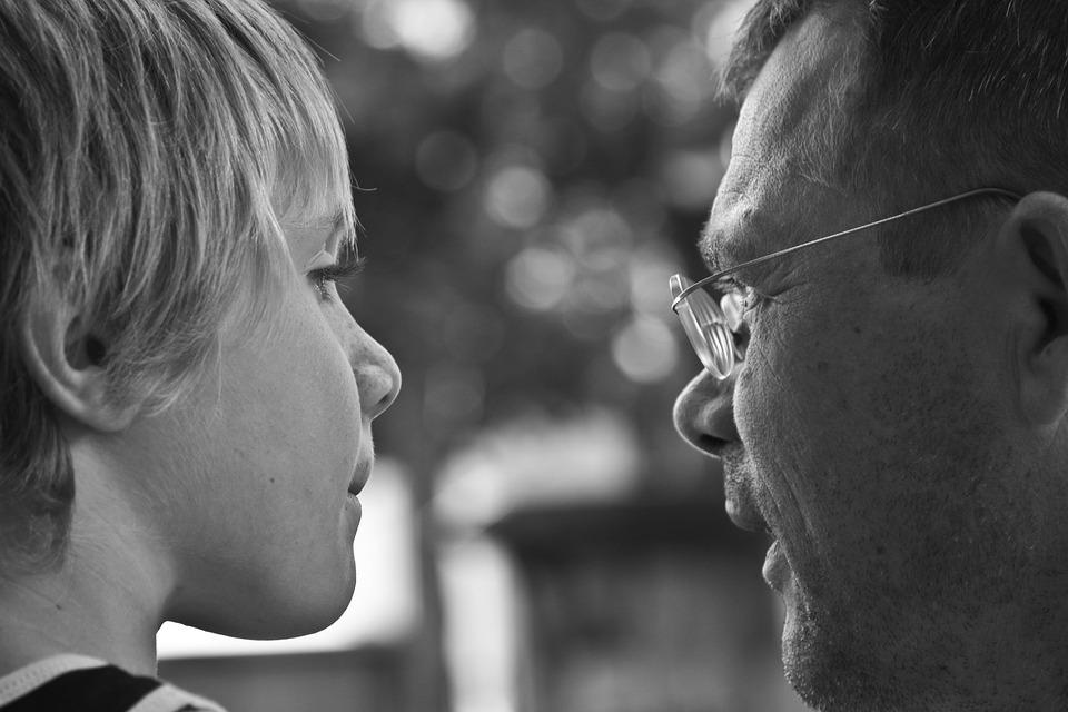 Iskola férfiak és apák nélkül – miért rombol, mit tehetünk?