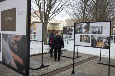 Szabadtéri kiállítás a jócselekedetekről