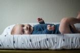 Már az apák is tisztába tehetik gyermeküket! - Pelenkázót kapott több férfi illemhely Budapesten