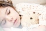 Nehezen alszik el a gyerek? Így altasd!