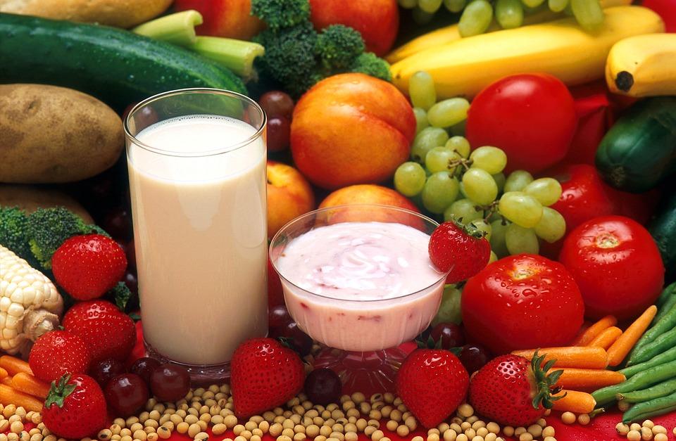 AZ EU idén is támogatja az iskolai gyümölcs-, zöldség- és tejosztást