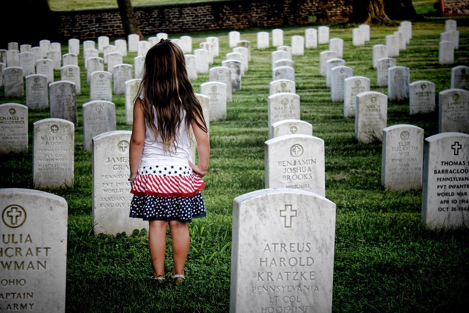 Hány éves kortól vigyük ki a gyereket a temetőbe?