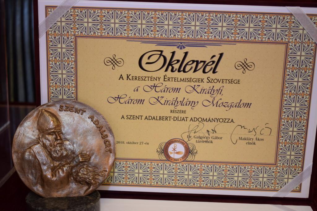 Szent Adalbert-díjat kapott a Három Királyfi, Három Királylány Mozgalom