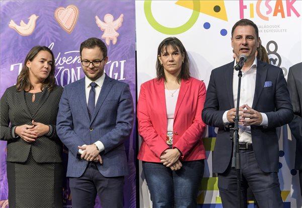 Novák: már a kétgyermekes családok is igénybe vehetik a 10 millió forintos kamattámogatott hitelt