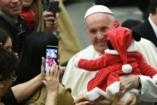 Ferenc pápa: Engedjük, hogy meglepjen bennünket Jézus ezen a karácsonyon!
