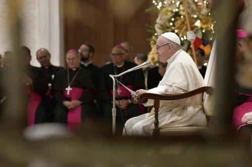Ferenc pápa: Hívjuk papának Istent, gyermeki bizalommal!