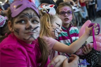 Rászoruló gyerekeknek gyűjt az Ökumenikus Segélyszervezet