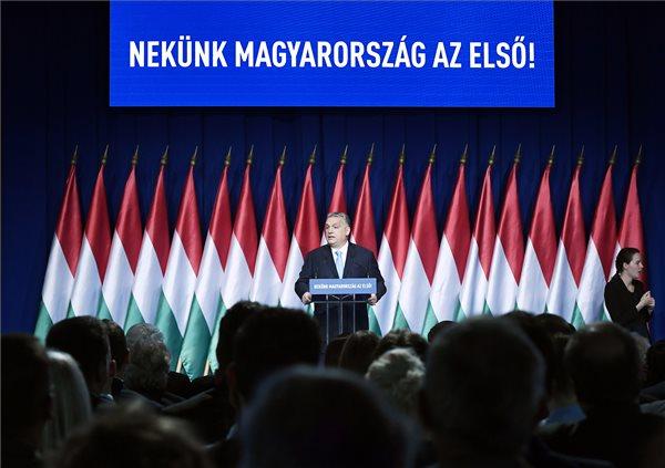Hétpontos családvédelmi akciótervet jelentett be Orbán Viktor