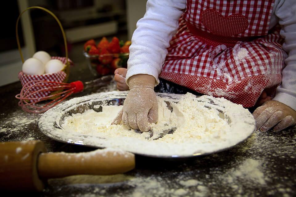 Közös sütés a gyerekekkel - ínycsiklandó recepttel!