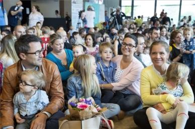 Novák: július elsejétől indul a családvédelmi akcióterv