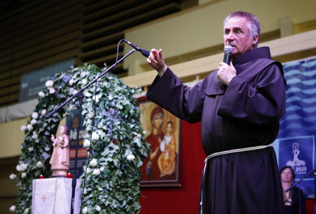 A harminc éve pappá szentelt Böjte Csaba ünnepről, háláról, a szeretetet felfaló mohó parazitákról